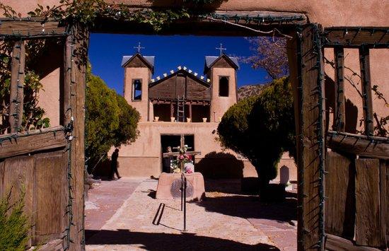 El Santuario de Chimayo: Gates to the Church
