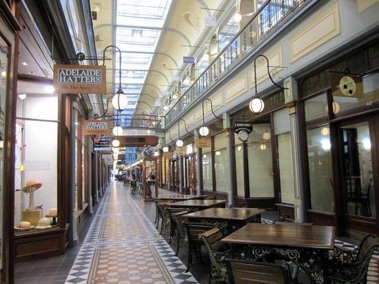 Crowne Plaza Adelaide: Adelaide Arcade