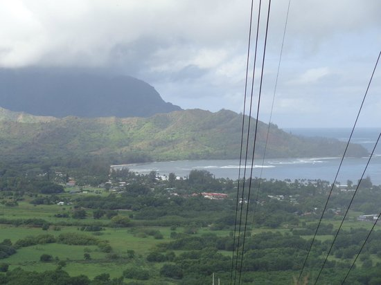 Hanalei Surfboard House: Top of a hike overview of Hanalei Bay
