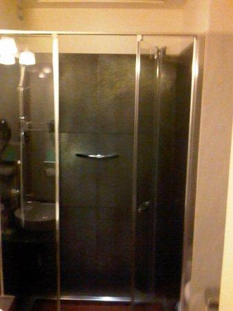 Mercure Milano Solari: Bathroom 2