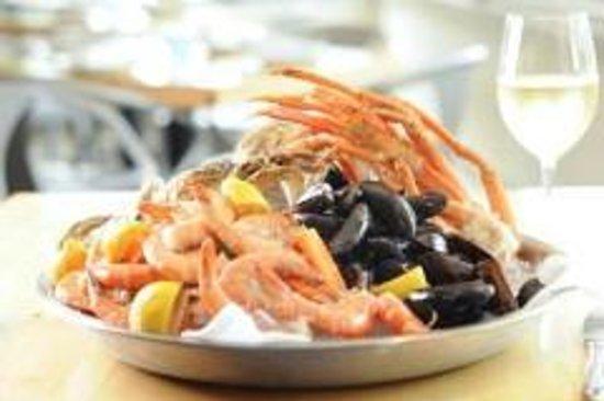 Hammocks Trading Company: Seafood Tower