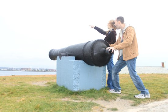 Fort Adams State Park : Fire the cannon!