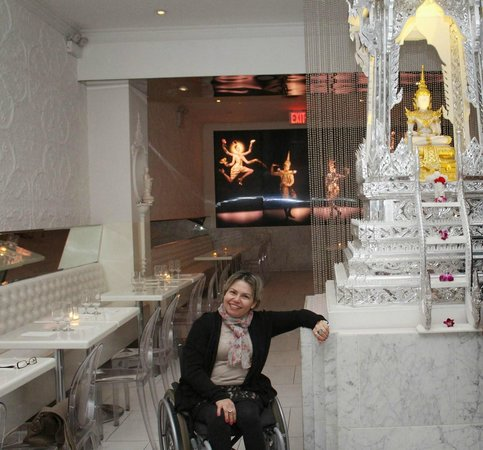 Qi Bangkok Eatery : Bela decoração