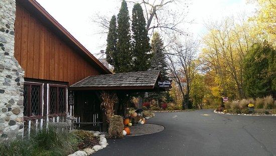 The Fox & Hounds Restaurant & Tavern: Fox&Hounds Restaurant Entrance1