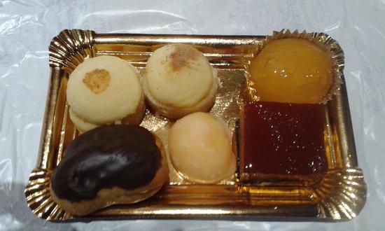 Pastelería La Flor de Almibar (o Fantoba): dulces pequeños