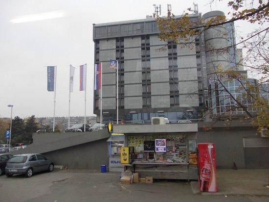 Tulip Inn Putnik Belgrade: вид на отель