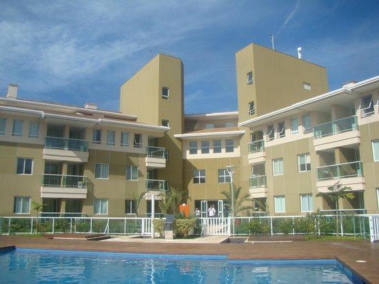 Hotel The Sun: Vista dos apartamentos da área da piscina