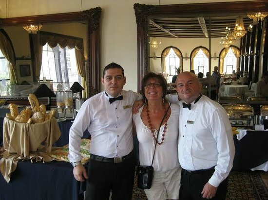 Gran Hotel Costa Rica: Upstairs Dining Room for Breakfast with 2 Amazing Waiters.