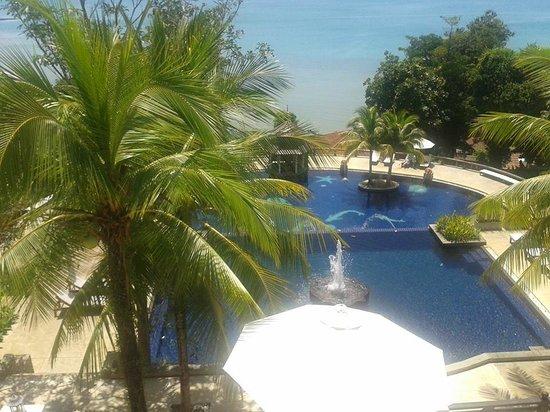 Supalai Resort & Spa Phuket: piscine depuis lobby
