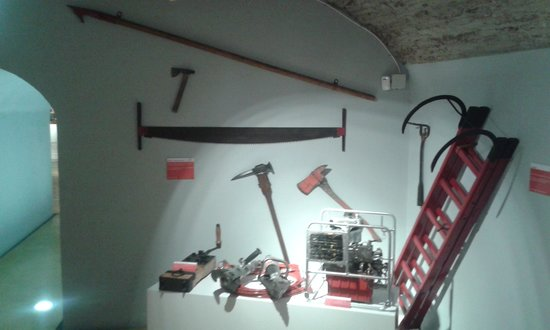 Museo del Fuego y de los Bomberos: HACHAS