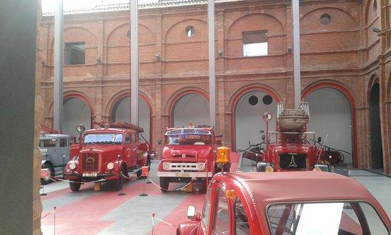 Museo del Fuego y de los Bomberos: Camiones bomberos