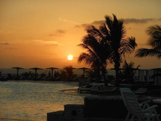 Royal Horizons Boa Vista : sunset looking over the main pool