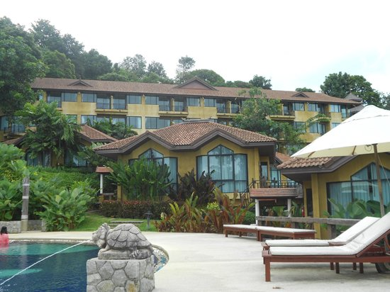 Supalai Resort & Spa Phuket: vue de la piscine