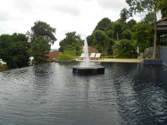 Supalai Resort & Spa Phuket: piscine 1.80 / 2.80