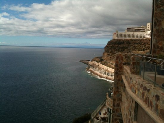 Gloria Palace Amadores Thalasso & Hotel : Tenerife from the sun terrace balcony