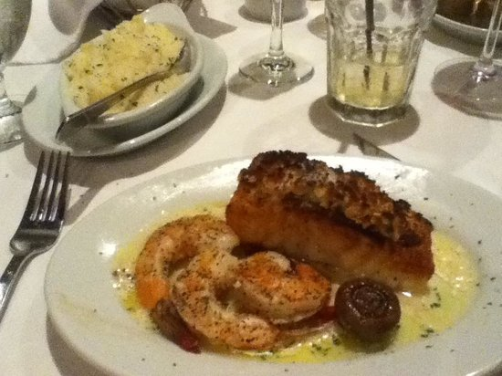 Ruth's Chris Steak House: Chilean sea bass!