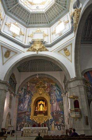 Basílica de Nuestra Señora de la Candelaria: Y aquí la patrona de los canarios