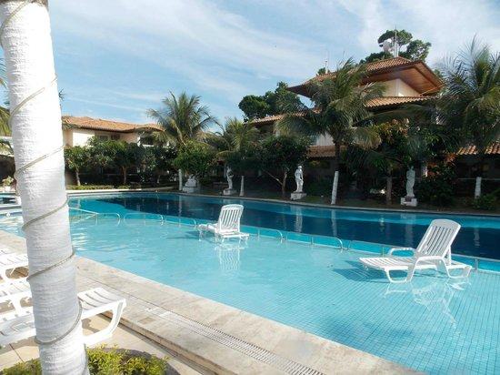 Atlantico Buzios Hotel : Piscina grande do hotel,que também da no restaurante e sai na rua das pedras!!