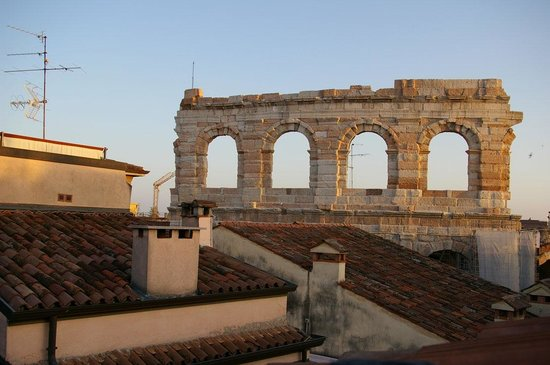 La Finestra sull'Arena: Morning view from window