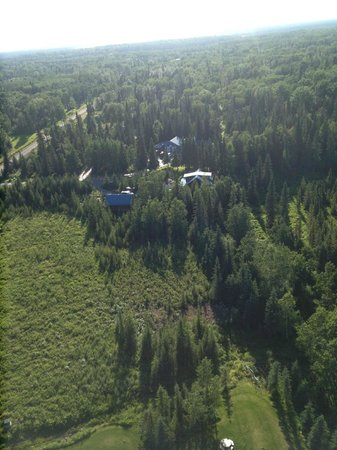 Caribou Crossing Cabins: Wilderness Retreat