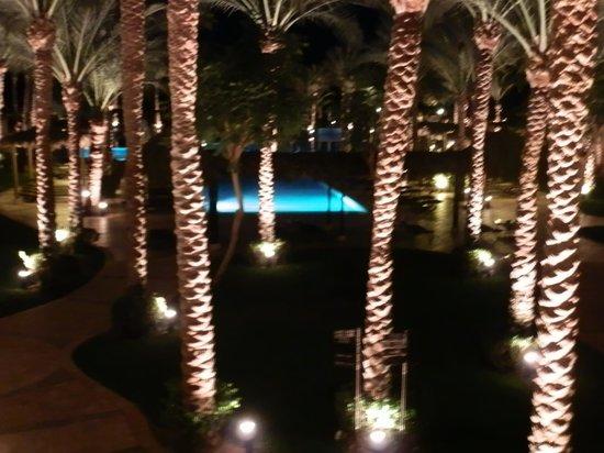 Jaz Fanara Resort & Residence: vue de nuit