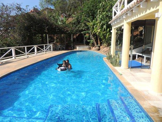 Hotel Pousada e Spa Villa Mercedes : DISFRUTANDO DE LA PISCINA!!