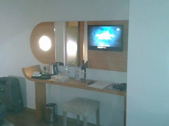 Hotel Marbella: part 1 of bedroom