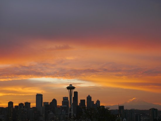 Sunrise From Kerry Park Picture Of Kerry Park Seattle