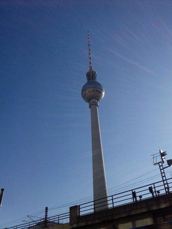 Berlin TV Tower: A torre.
