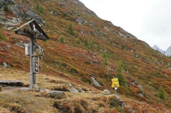 โรงแรมชาเล่ต์เซนเกอร์: Wander-Tipp:  das Wetterkreuz über Ranach