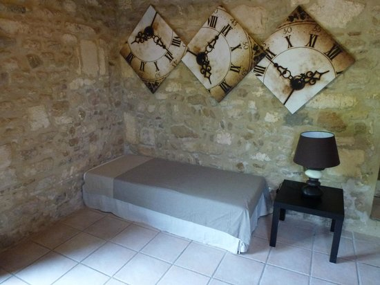 Domaine Sainte-Cecile : Les Oliviers additional bed