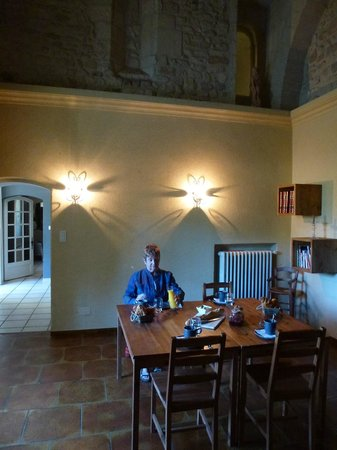 Domaine Sainte-Cecile: Breakfast room, once a chapel