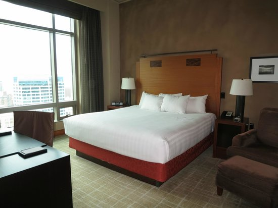 Grand Hyatt Seattle - Executiove Suite - High Floor 139