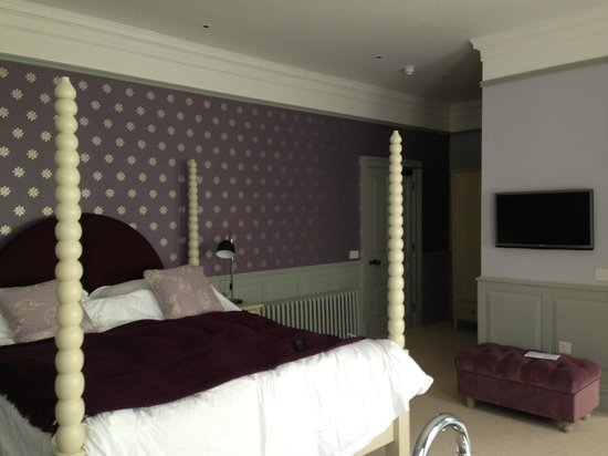 Houndgate Townhouse: Our room!!!