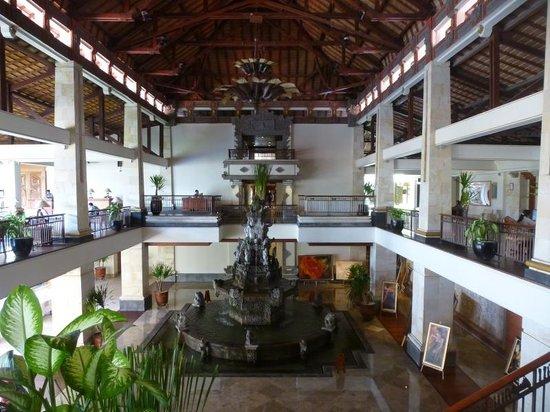 Nusa Dua Beach Hotel & Spa: Hotelhalle
