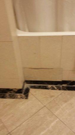 Hotel Dei Mellini: Finition de la salle de bain 4 étoiles !!!