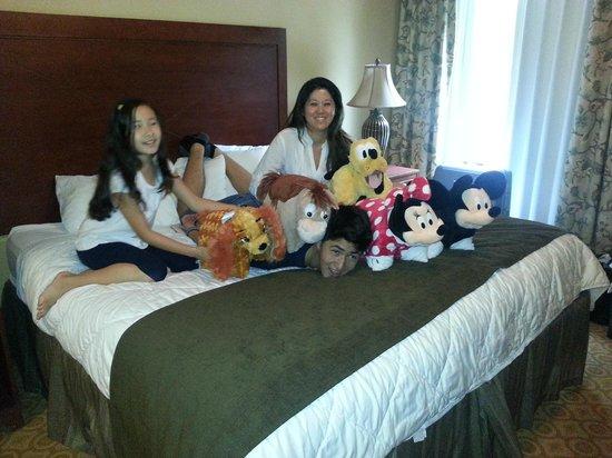 Lake Eve Resort : Nos na suite do hotel na companhia da turma da Disney