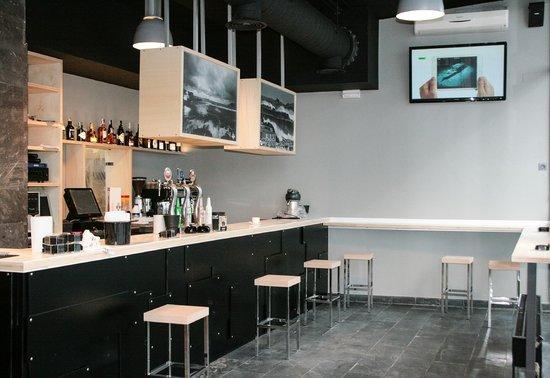 Mundaka Hostel& Sports Cafe: Bar