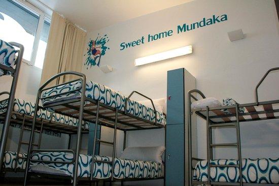 Mundaka Hostel& Sports Cafe: Habitación Azul