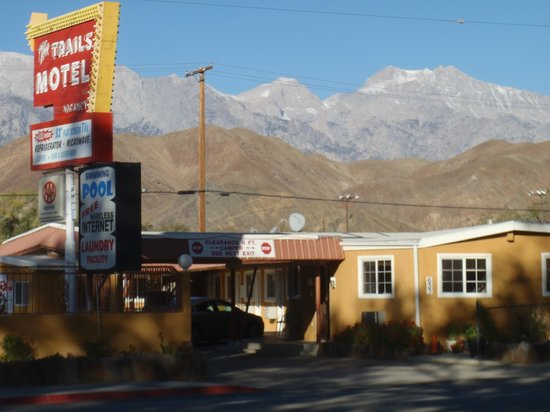 National 9 Trails Motel : Nice Motel in Lone Pine. CA