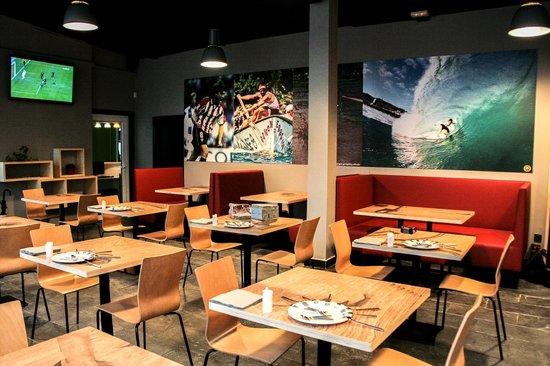 Mundaka Hostel& Sports Cafe: Comedor Restaurante