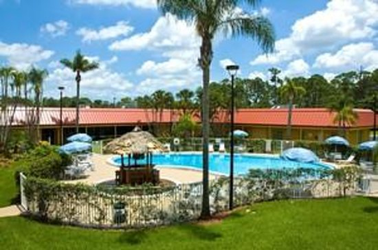 Vero Beach Inn & Suites: After a hard day of work, what is better then this!