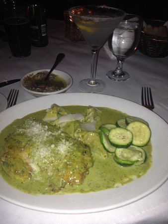 Giuseppe's Cucina Italiana : Chicken Basilico with homemade tortellini.  SO delicious!