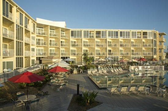 Ocean East Resort Club: Pool Area