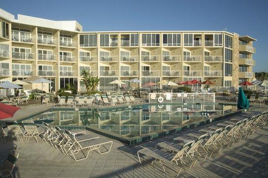 Ocean East Resort Club: Pool View