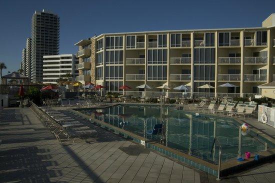 Ocean East Resort Club: Pool Deck