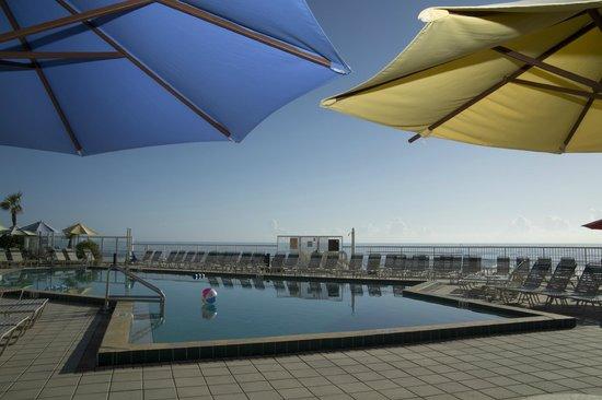 Ocean East Resort Club : Pool Deck