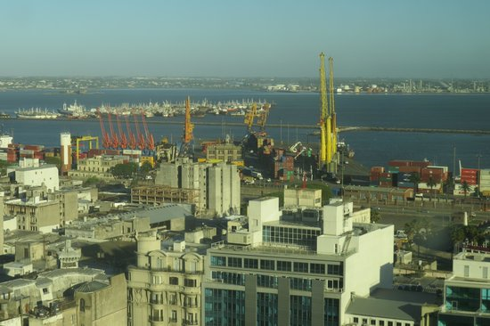 Radisson Montevideo Victoria Plaza Hotel: vista da janela do apartamento
