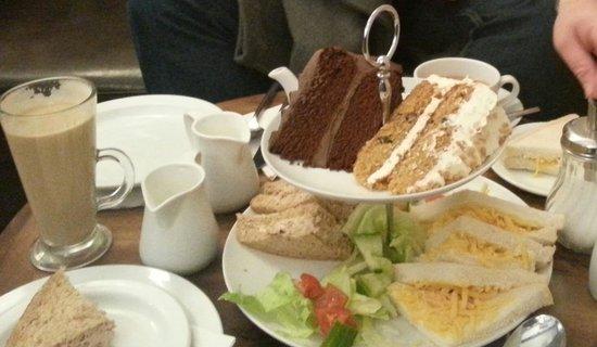 Caffe Mocha: High Tea