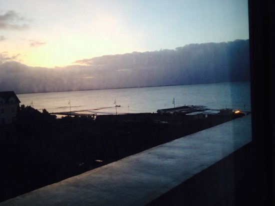 The Salthill Hotel: Sunset from hotel window